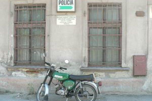 Policajná stanica v Párnici. Po pätnástich rokoch fungovania stratila význam, polícia ju plánuje zrušiť.