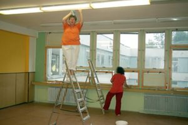 Príprava nových priestorov pre škôlkarov.