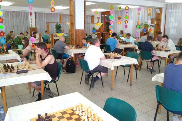 Piata základná škola vLeviciach privítali medzinárodný turnaj všachu.