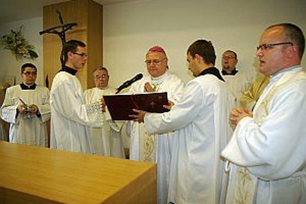 Hlavným celebrantom sv. omše bol diecézny biskup Tomáš Galis.