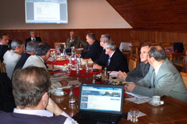 Na ostatnom rokovaní Združenia miest a obcí Hornej Oravy sa starostovia rozprávali aj o nových možnostiach v oblasti cestovného ruchu.