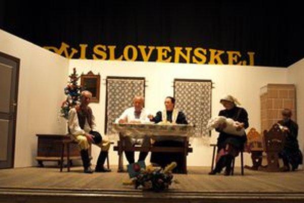 Veličnianske ochotnícke divadlo. Medzi chorvátskymi Slovákmi zožali úspech hrou Statky zmätky.