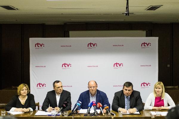 Po nástupe nového vedenia odišli z RTVS desiatky skúsených zamestnancov a reportérov.
