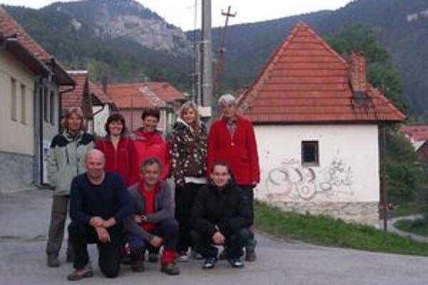 Skupina nadšencov, ktorá si odskúšala maratón na Choč.