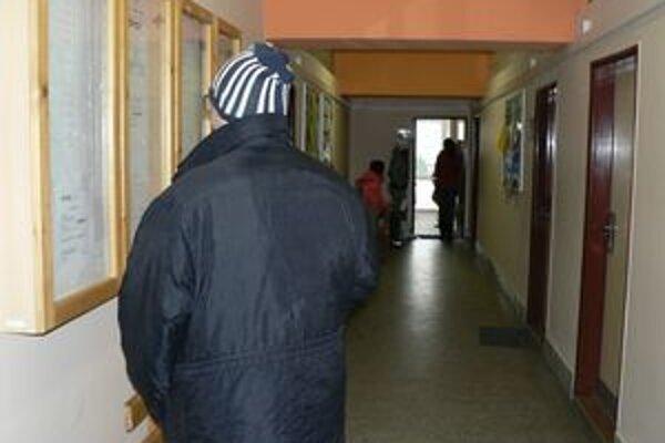 Chodby úradu práce v Dolnom Kubíne sú v týchto dňoch plné. Za šesť dní pribudlo do evidencie nezamestnaných 170 ľudí.