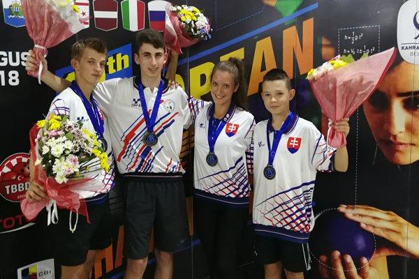 Zľava Tomáš Štolc, Patrik Pavčo, Megi Strehovská a Miroslav Dováľ.