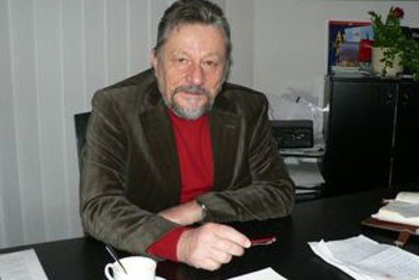 Erb Ivana Budiaka je zostavený zo symbolov, ktoré úzko súvisia s jeho životom.