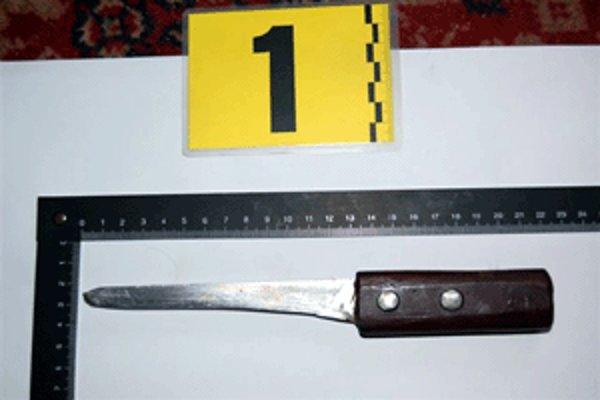 Nôž, ktorým Juraj zasadil svojej manželke 23 rán.