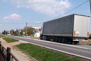Snahou obyvateľov Dvorianok je úplne vylúčiť kamióny z obce, teda výstavba obchvatu.