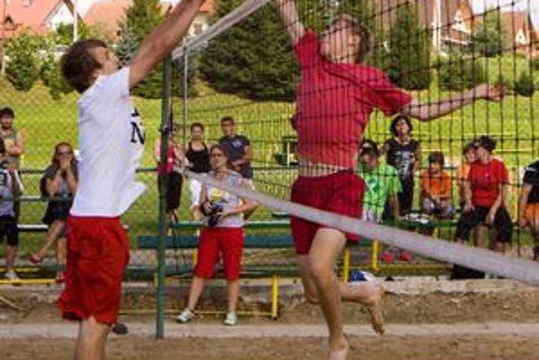 Sobotňajší turnaj zviedol medzi seba súboje domácich hráčov.