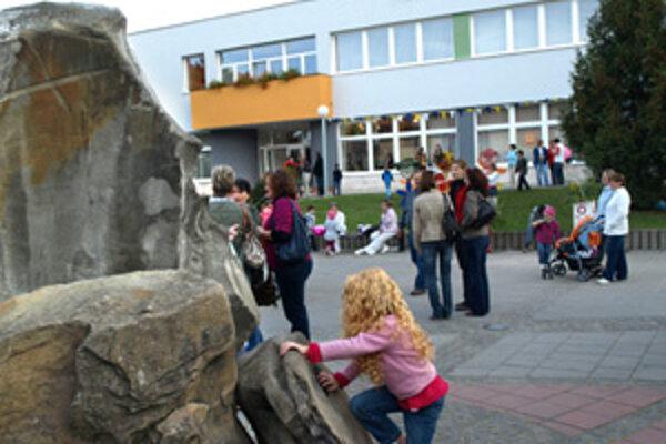 Vynovený kulturák oživil jarmočné dni na sídlisku Medvedzie.
