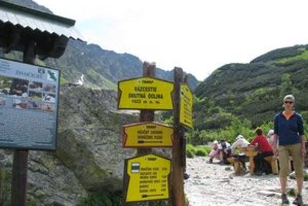 Aj chodníky v Západných Tatrách budú od pondelka až do 15. júna zatvorené.