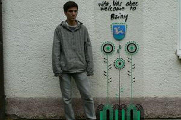 Mladý grafik Filip Grznár zo Bzín vytvoril pre obec takéto pútače, ktoré budú pri vstupe do obce a smerom von z nej osadené už v septembri.