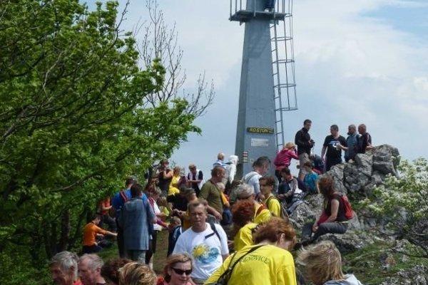 Výstup na Roštún ročne absolvujú desiatky turistov.