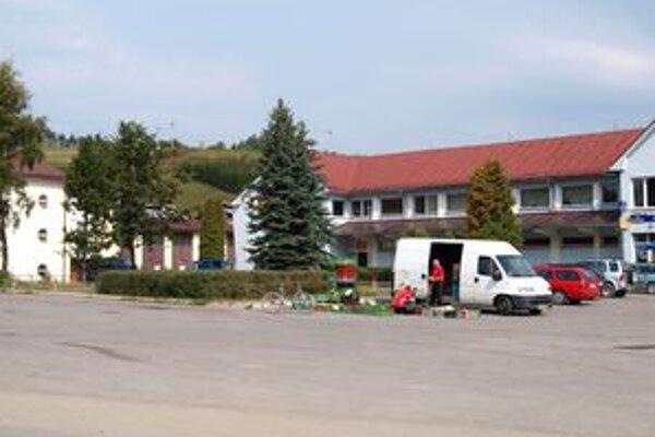 V centrálnej časti dediny by mali po schválení projektu vzniknúť dve námestíčka.