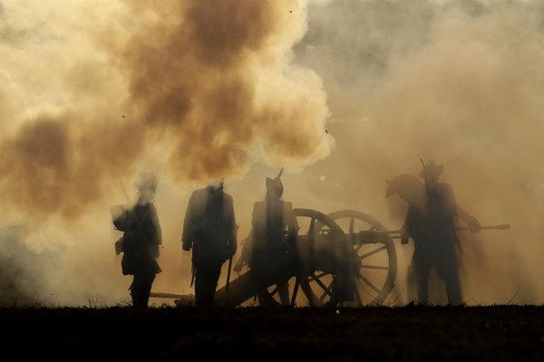 Napoleonovu porážku v bitke pri Waterloo mohol podľa novej štúdie ovplyvniť aj výbuch sopky Mount Tambora len dva mesiace predtým.