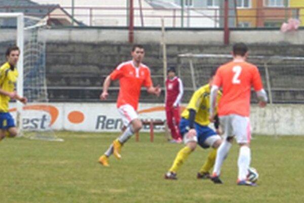Futbalisti Topoľčian si pripísali na konto tri body.