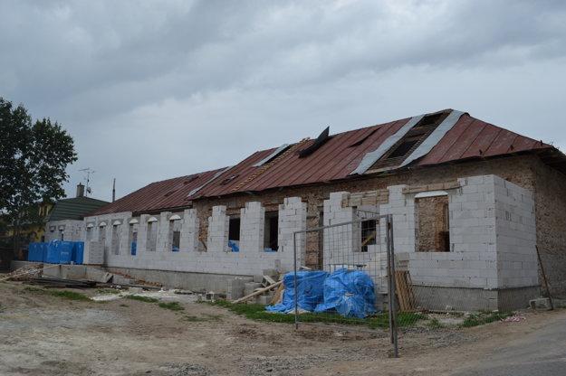 Budovu prestavujú na dom kultúry.