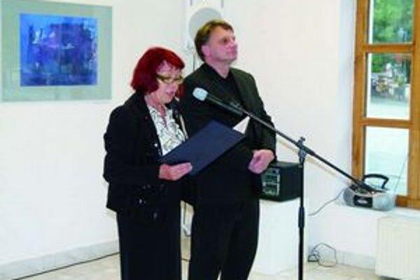 Juraj Šufliansky (vpravo) vystavuje samostatne od roku 1994.