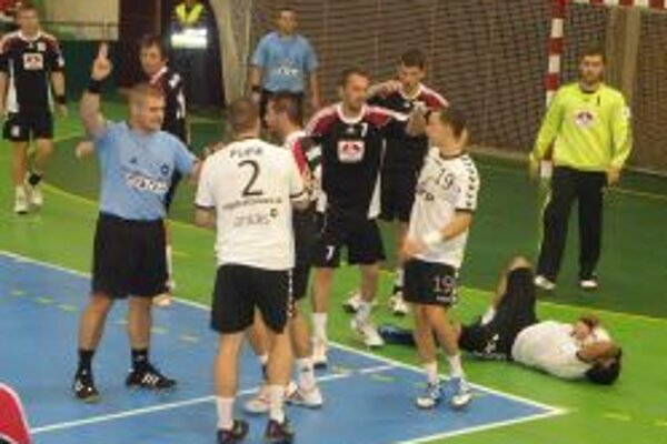 Hádzanári prehrali doma o jeden gól.