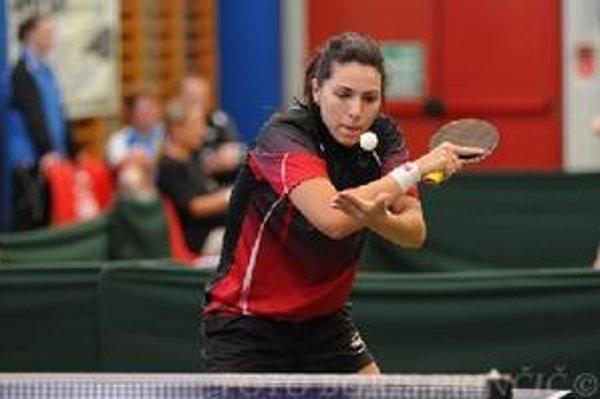Dijana Holok - aktuálna juniorská majsterka a reprezentantka Srbska je novou posilou Topoľčian.