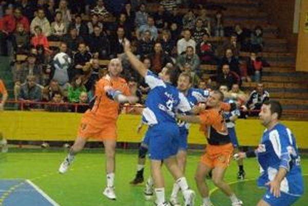 Hádzanári Topoľčian doma vyhrali o jeden gól.