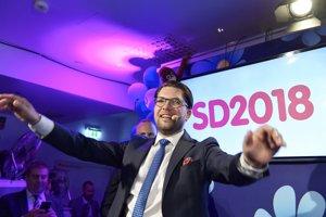 Líder Švédskych demokratov Jimmie Akesson oslavuje úspech, aj keď očakával viac hlasov.