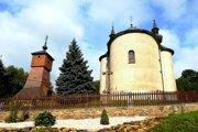 Unikátna drevená zvonica agréckokatolícky Chrám Povýšenia úctyhodného kríža vobci.