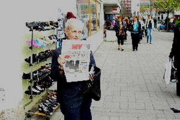 Ján Chudý si privyrába predajom novín už 20 rokov.