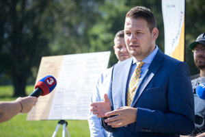Kandidát na starostu MČ Petržalka Miroslav Dragun.