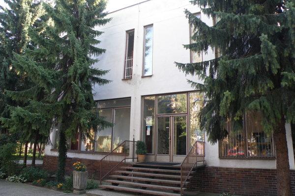 Hornonitrianske múzeum v Prievidzi by sa zo súčasných priestorov na Košovskej ceste malo sťahovať. Kam, to je zatiaľ otázne.