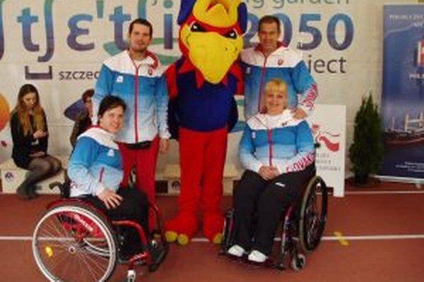 Viera Bučkuliaková (vpravo) splnila všetky potrebné limity a v júli pocestuje na majstrovstvá sveta.