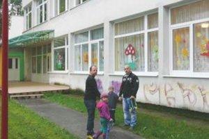 Škôlka na Ľadovni. Všetky miesta v nej sú už obsadené.