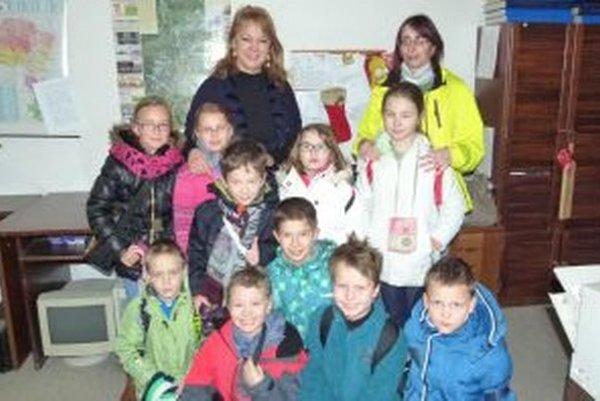 Víťazka Vierka Barbuščáková (vľavo hore) sa snaží, aby deti boli v škole šťastné.