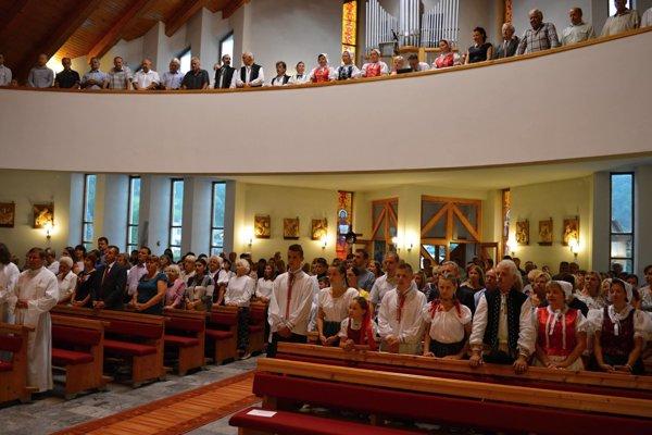 Slávnosť v Medzibrodí nad Oravou pri príležitosti 25. výročia vysvätenia kostola.