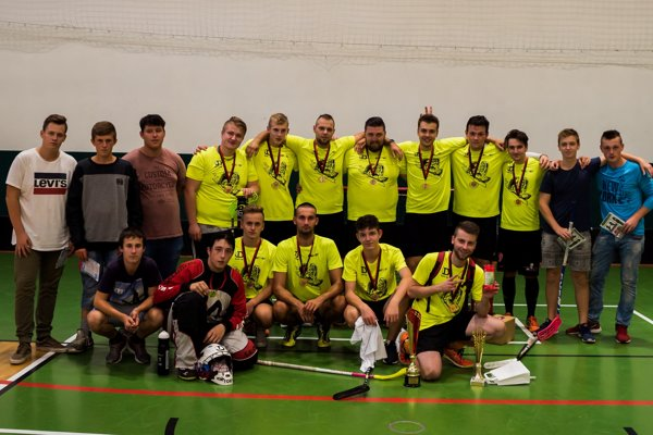 Devilsáci ovládli florbalový turnaj Red Cup v Žiline.