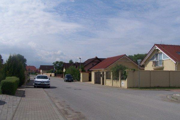 Za ostatné roky pribudli v Tomčanoch zásluhou individuálnej bytovej výstavby nové ulice.