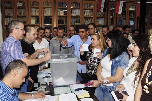 V Sýrii sa konajú prvé komunálne voľby od roku 2011.