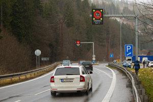 Hlavná cesta cez horský priechod Donovaly.