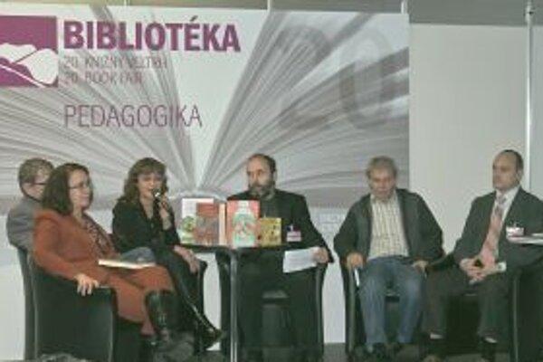 Naši literáti v Bratislave.