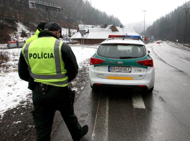 Pod Donovalmi dohliadala aj polícia.