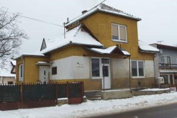V tomto dome v Sučanoch mali díleri zriadené aj laboratórium na výrobu drog.