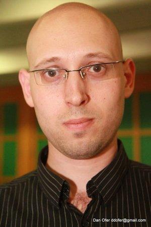 Futurológ Roey Tzezana.
