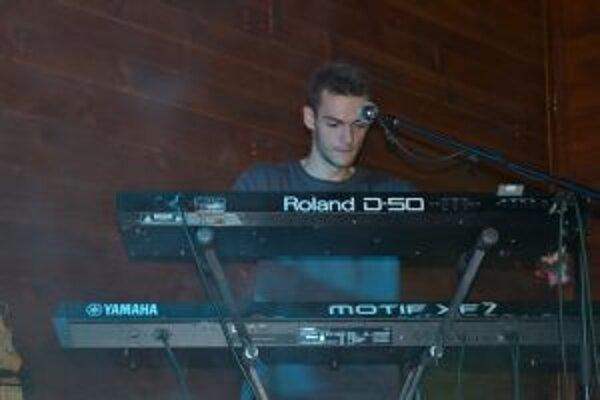 Marek Považan vystúpi ako spevák na májovej Šlágerbombe.