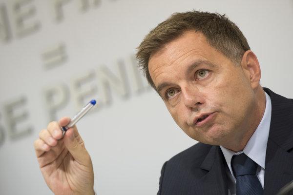 Podpredseda vlády a minister financií Peter Kažimír.