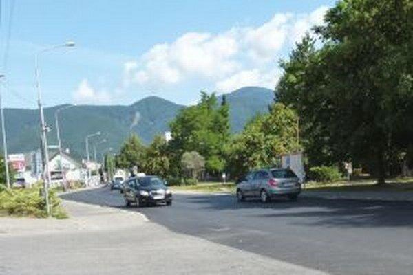 V Priekope cestári opravili úsek dlhý 350 metrov.