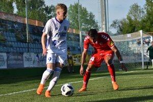 Peter Kolesár (vľavo) dal v jari Nitre dva góly. Presadí sa opäť?