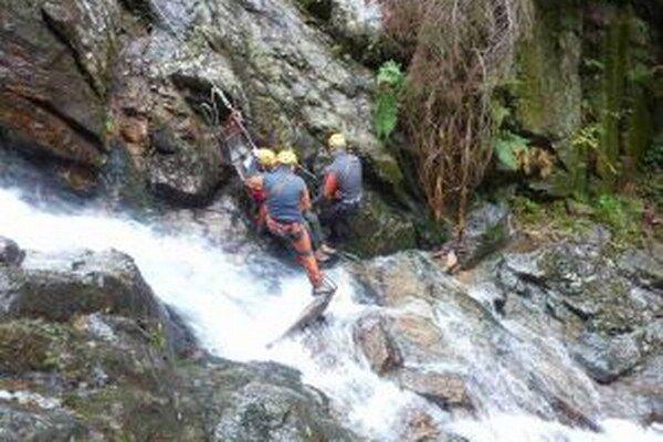 Horskí záchranári sa na ferrate nedávno pripravili na rôzne situácie.