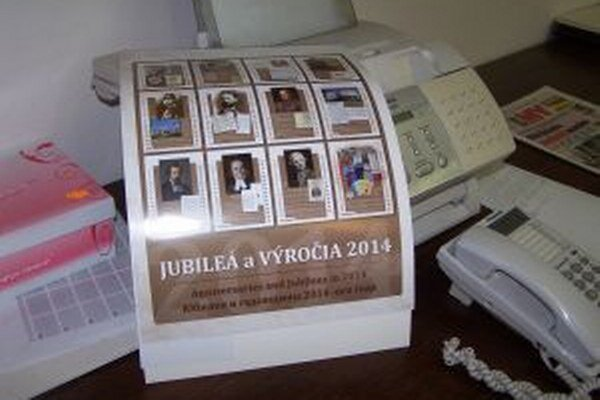 Kalendár vydavatelia dali zadarmo študentom stredných škôl.