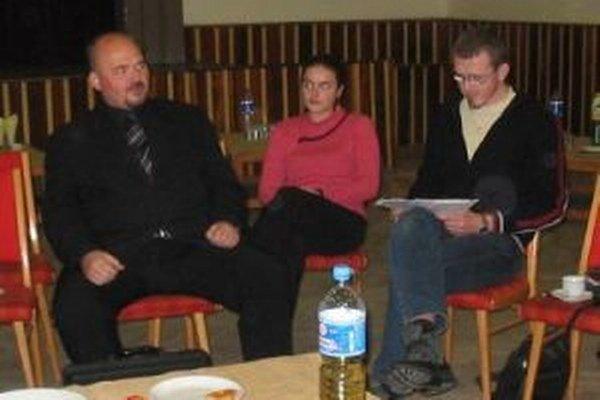 Na jednom z literárnych podujatí klubu Mädokýš. Mathej Thomka vpravo.